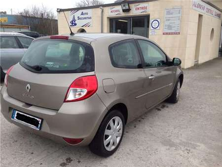 iii 1.2 16v 75 eco2 authentique //cloud.leparking.fr/2017/12/11/13/26/renault-clio-iii-1-2-16v-75-eco2-authentique-beige_6011198632.jpg --