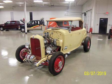 1932 ford roadster hot rod all steel body https://cloud.leparking.fr/2019/04/06/00/09/ford-hot-rod-1932-ford-roadster-hot-rod-all-steel-body-beige_6806881097.jpg