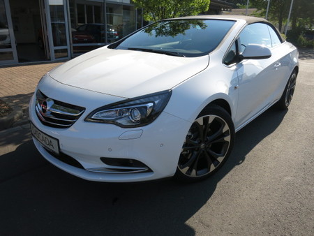 7,2 l/100km (komb.),178 g co2/km (komb.) https://cloud.leparking.fr/2019/09/27/12/18/opel-cascada-cascada-1-6-turbo-ultimate-navi-16-mwst-weis_7126477239.jpg