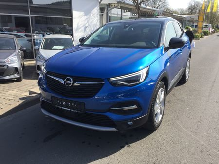 5 l/100km (komb.),145 g co2/km (komb.) https://cloud.leparking.fr/2020/01/10/01/22/opel-grandland-x-grandland-x-innovation-navi-led-shz-grau_7405576444.jpg
