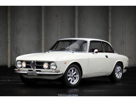 1969 alfa romeo gtv 1750 for sale https://cloud.leparking.fr/2020/03/05/01/23/alfa-romeo-giulia-gt-1969-alfa-romeo-gtv-1750-for-sale-white_7481981640.jpg