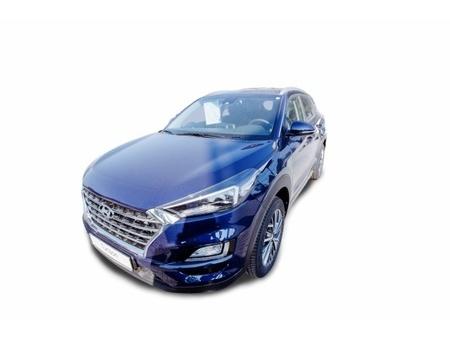 6,9 l/100km (komb.),189 g co2/km (komb.) https://cloud.leparking.fr/2020/08/19/01/30/hyundai-tucson-tucson-style-1-6-benzin-smart-key-und-krell-sounds-blau_7727499186.jpg