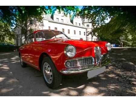 vendo alfa romeo giulietta sprint 1300 in vendita https://cloud.leparking.fr/2020/08/26/18/19/alfa-romeo-giulietta-sprint-vendo-alfa-romeo-giulietta-sprint-1300-in-vendita_7738664986.jpg