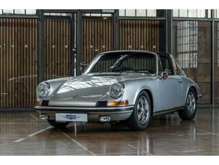 porsche 911 s 2.2 targa i sammlerzustand note 2 https://cloud.leparking.fr/2020/12/09/00/17/porsche-911-classic-targa-porsche-911-s-2-2-targa-i-sammlerzustand-note-2-grau_7890976686.jpg