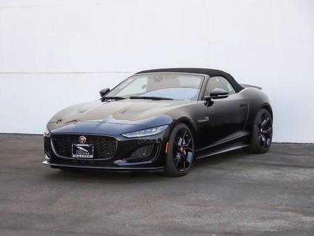 first edition https://cloud.leparking.fr/2021/01/08/01/11/jaguar-f-type-cabriolet-first-edition-black_7927722021.jpg